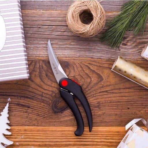 Tại sao kéo cắt kim loại có tay cầm dài hơn lưỡi kéo